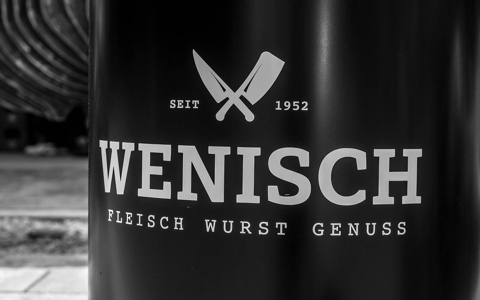 Metzgerei Wenisch – Das Logo im Einsatz (© Oleg Fust)