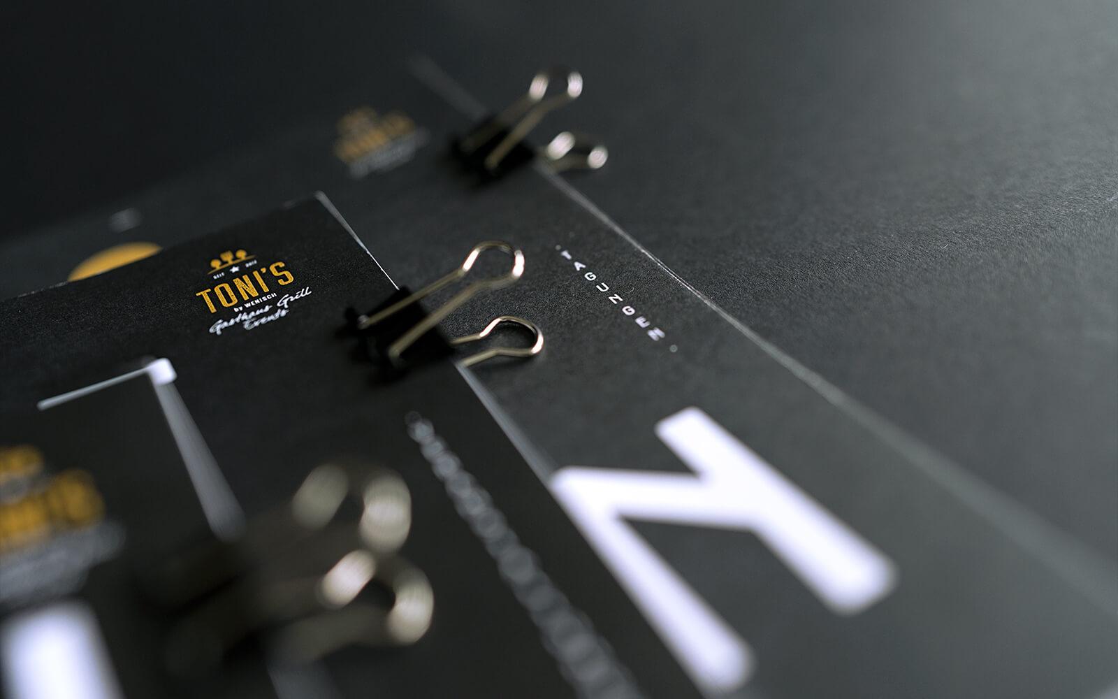 TONI's Events – Broschürentitel Detail